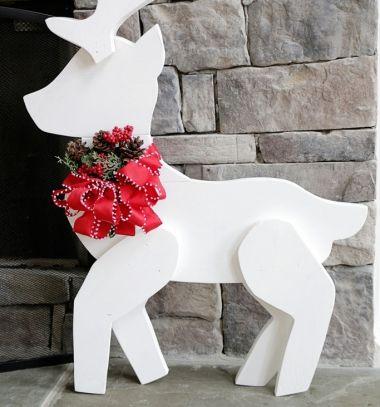 DIY Wooden reindeer Christmas decoration // Rénszarvas karácsonyi dekoráció fából // Mindy - craft tutorial collection // #crafts #DIY #craftTutorial #tutorial #DIYFurniture