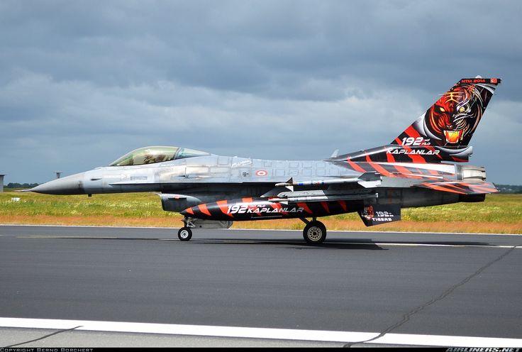 Turkish Air Force (Türk Hava Kuvvetleri) Lockheed Martin (TUSAS) F-16CJ Fighting Falcon  94-0090 (cn HC-54)