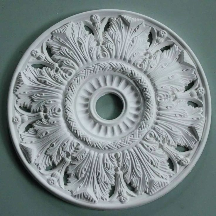 Victorian Plaster Ceiling Rose Crown and Acanthus 520mm MPR063 £42,36