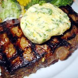 Foto recept: Steak van de bbq met blauwe kaas, knoflook en kruidenboter