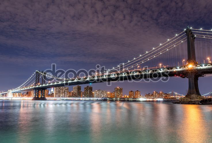 Manhattan bridge in schemering — Stockbeeld #79496668