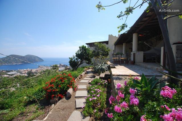 Lodge Maracuja nell'isola di Lipari in Lipari da $40 per notte