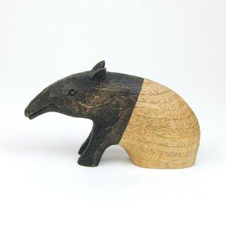 tapir. Simplicité de la forme, beauté de la matière. Et l'idée du bicolore... Parfait!