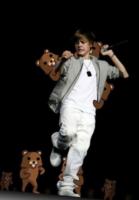 justin bieber attacked by pedobears.