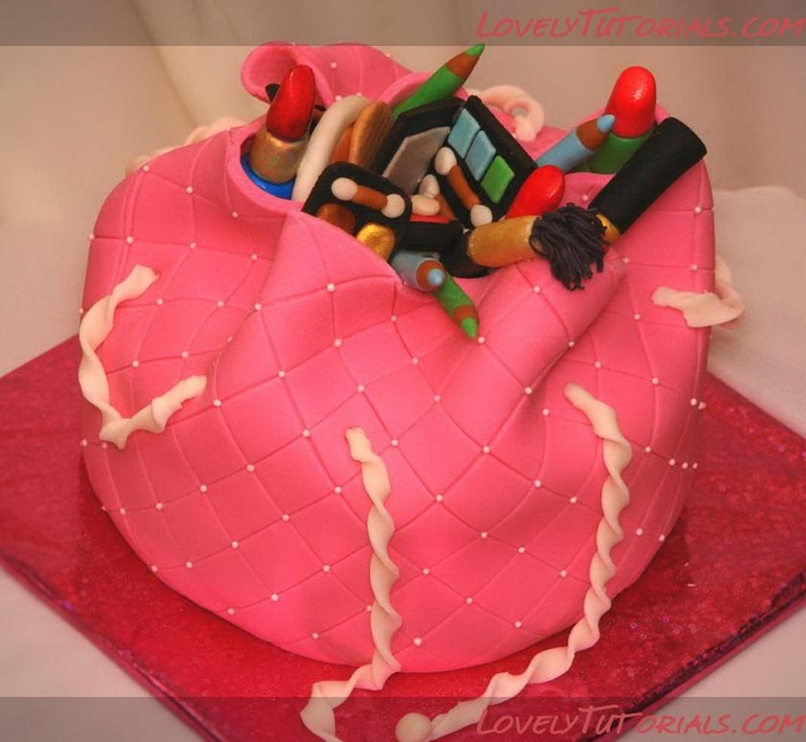 3D cosmetics bag cake tutorial