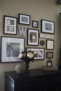 Displaying picture frames on the wall