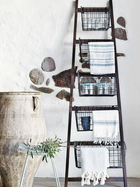 Love the ladder and baskets