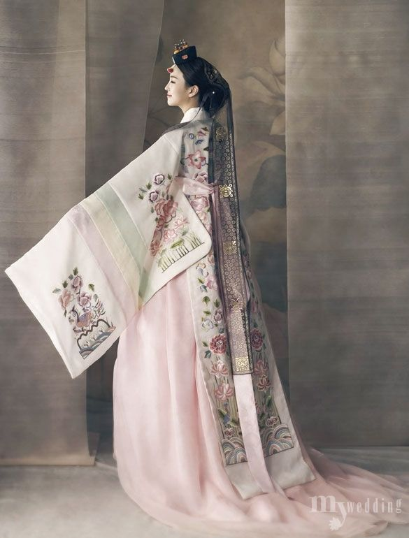modern hanbok | Tumblr                                                                                                                                                                                 More