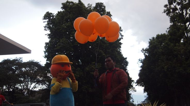 Secara simbolis ketua Geopoint 2014 melepaskan balon tanda geopoint resmi dibuka. yeay!
