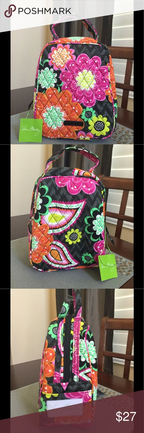 "NWT VERA BRADLEY LUNCH BAG NWT Vera Bradley Lunch Bunch  7 "" W x 9"" H x 4 "" D with 3"" handle drop  Ziggy zinnia Pattern  Outside ID pocket Smoke/pet free home Vera Bradley Bags Cosmetic Bags & Cases"