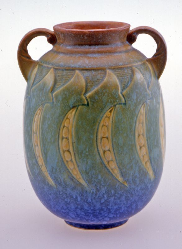Roseville Pottery Vase 1933 In 2020 Pottery Art Roseville Pottery Vase Ceramic Pottery