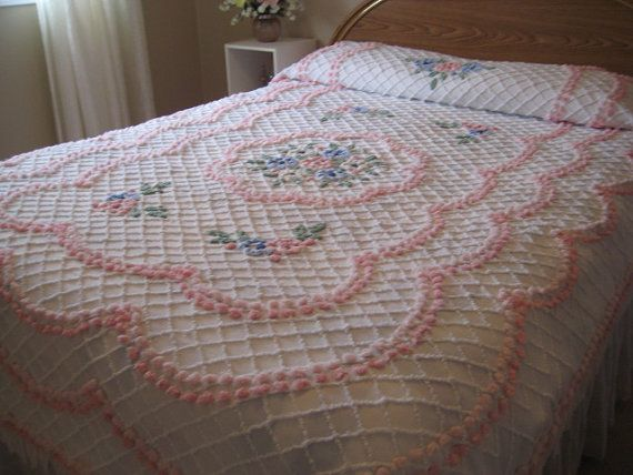 628 best chenille images on Pinterest Chenille bedspread Vintage