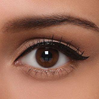 Se faire un maquillage yeux de biche pour un regard glamour