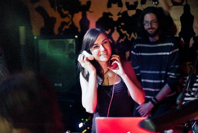 Eks Bintang Film Mesum Banting Setir Jadi DJ: http://www.kabarsatu.co/archives/7509