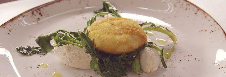 Basta frittata! prova le ricetta per l'uovo poché di Antonino Cannavacciuolo e te ne innamorerai.