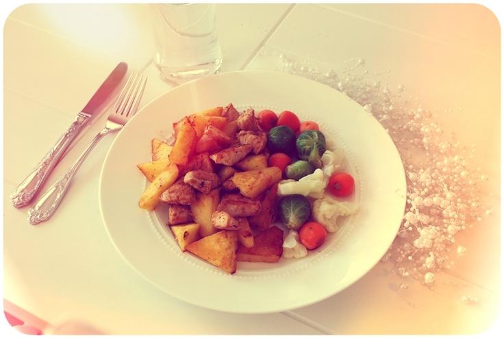stekt kylling, ananas og grønnsaker. - Eirin Kristiansen