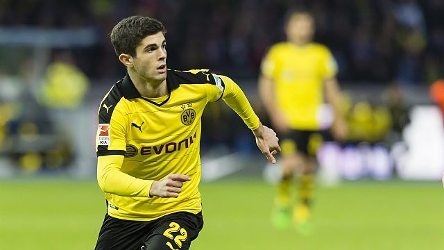USMNT teenage sensation Christian Pulisic scores first Bundesliga goal in Dortmund win - http://www.sportsrageous.com/soccer/usmnt-teenage-sensation-christian-pulisic-scores-first-bundesliga-goal-dortmund-win/17526/