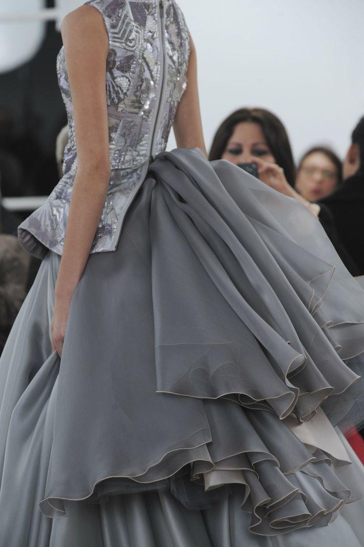 Julien Fournie Details HC S'14! Oh mon Dieu quel Chaise devrais-je commander pour m'assoir si je porte cette robe
