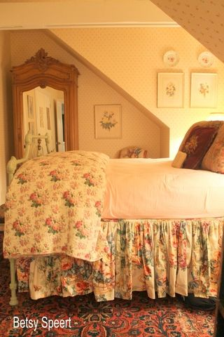 Best 25 English Cottage Bedrooms Ideas On Pinterest English Bedroom Hubby Means In English