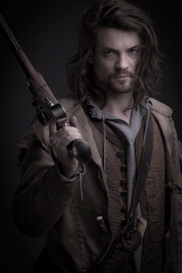 "Salem S1 Shane West as ""John Alden"""