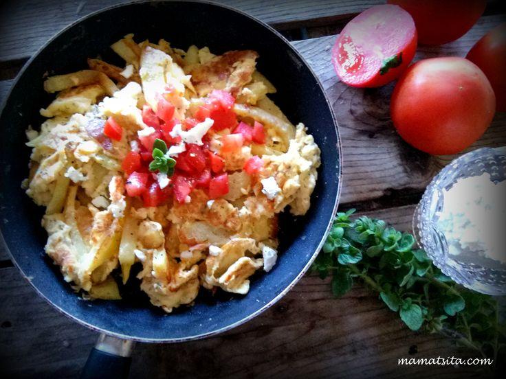 Fried potatoes omelette