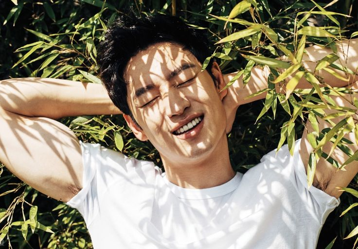 Lee Je Hoon voted as the top most charming K-celebrities.