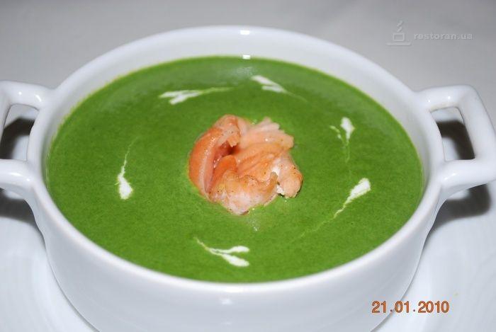 Крем суп с лососем и креветками