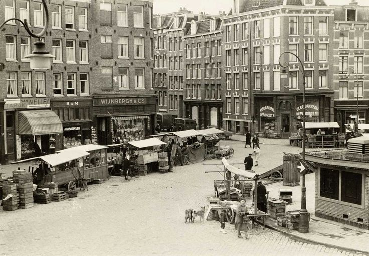 1948. The Dappermarkt is a market in the Dapperstraat in Amsterdam-East and is one of the busiest markets of Amsterdam. In 1910, the Dapperstraat was officially designated by the municipality of Amsterdam as a market street. #amsterdam #1948