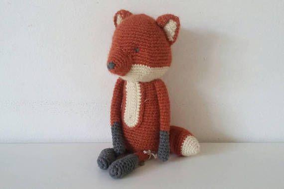Guarda questo articolo nel mio negozio Etsy https://www.etsy.com/it/listing/542975561/babbadoudou-volpe-amigurumi-doudou-volpe