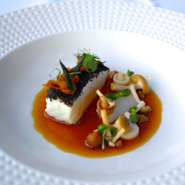 Halibut, onion and mushroom - The ChefsTalk Project L'art de dresser et présenter une assiette comme un chef de la gastronomie... > http://visionsgourmandes.com > http://www.facebook.com/VisionsGourmandes . #gastronomie #gastronomy #chef #presentation #presenter #decorer #plating #recette #food #dressage #assiette #artculinaire #culinaryart