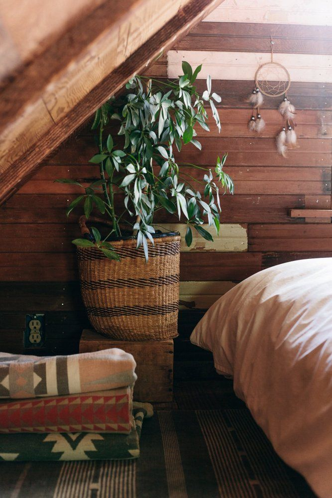 House Tour: A Tiny, Cozy Cabin in the Pacific Northwest | Apartment Therapy