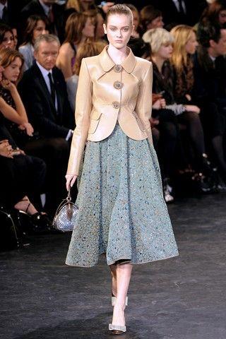 Faye Dunaway midi skirt fashion show inspired - Google Search