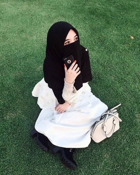 Menanti adalah hal yang paling menjenuhkan namun akan menjadi hal yang menyenangkan jika semuanya karena Allah.. . #Lensa #Muslimah Dari Sudut Yang Indah . Like Share and Tag 5 Sahabat Muslimahmu . Follow @MuslimahIndonesiaID Follow @MuslimahIndonesiaID Follow @MuslimahIndonesiaID . Join Us @MuslimahIndonesiaID Karena Muslimah #Sholehah Itu Istimewa by @qeylabies #duniajilbab #wanitasaleha #beraniberhijrah #tausiyahcinta #sahabattaat #sahabatmuslimah #Hijab #Jilbab #Khimar #KaumHawa