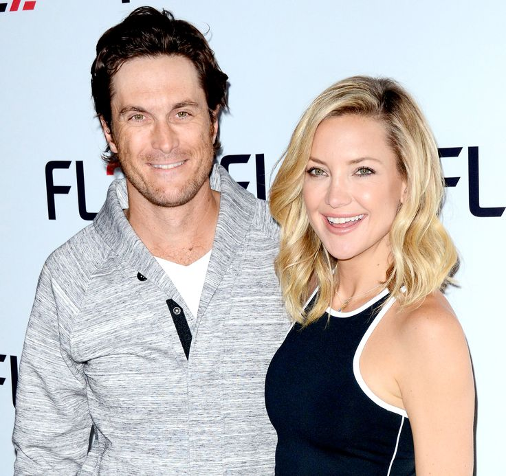 """Kate Hudson and her brother Oliver Hudson were """"not surprised"""" by their dad Bill Hudson publicly disowning them this weekend, sources reveal exclusively to Us Weekly -- get the scoop here"""