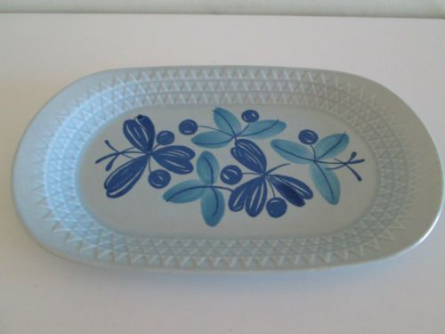 WOW-STAVANGERFLINT-NORWAY-BLUE-FLOWER-DESIGN-POTTERY-DISH-TRAY
