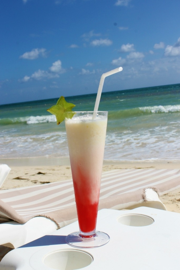 MIAMI VICE Strawberry Daiquiri + Piña Colada. Sweet and refreshing cocktail, perfect for the beach.  Love this one!! Was my first drink when we got there!!