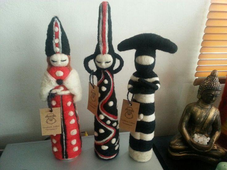 Esculturas en fieltro agujado  Los selknam u onas pueblos originarios.