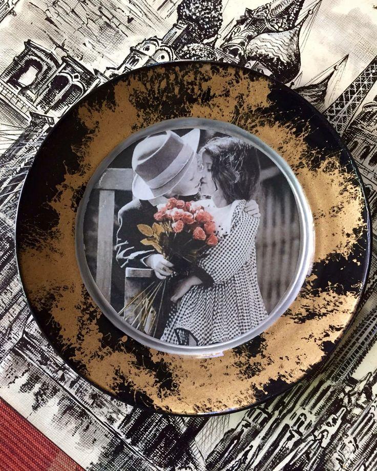 Natalya Vernikova: Decoupage plate created by me.