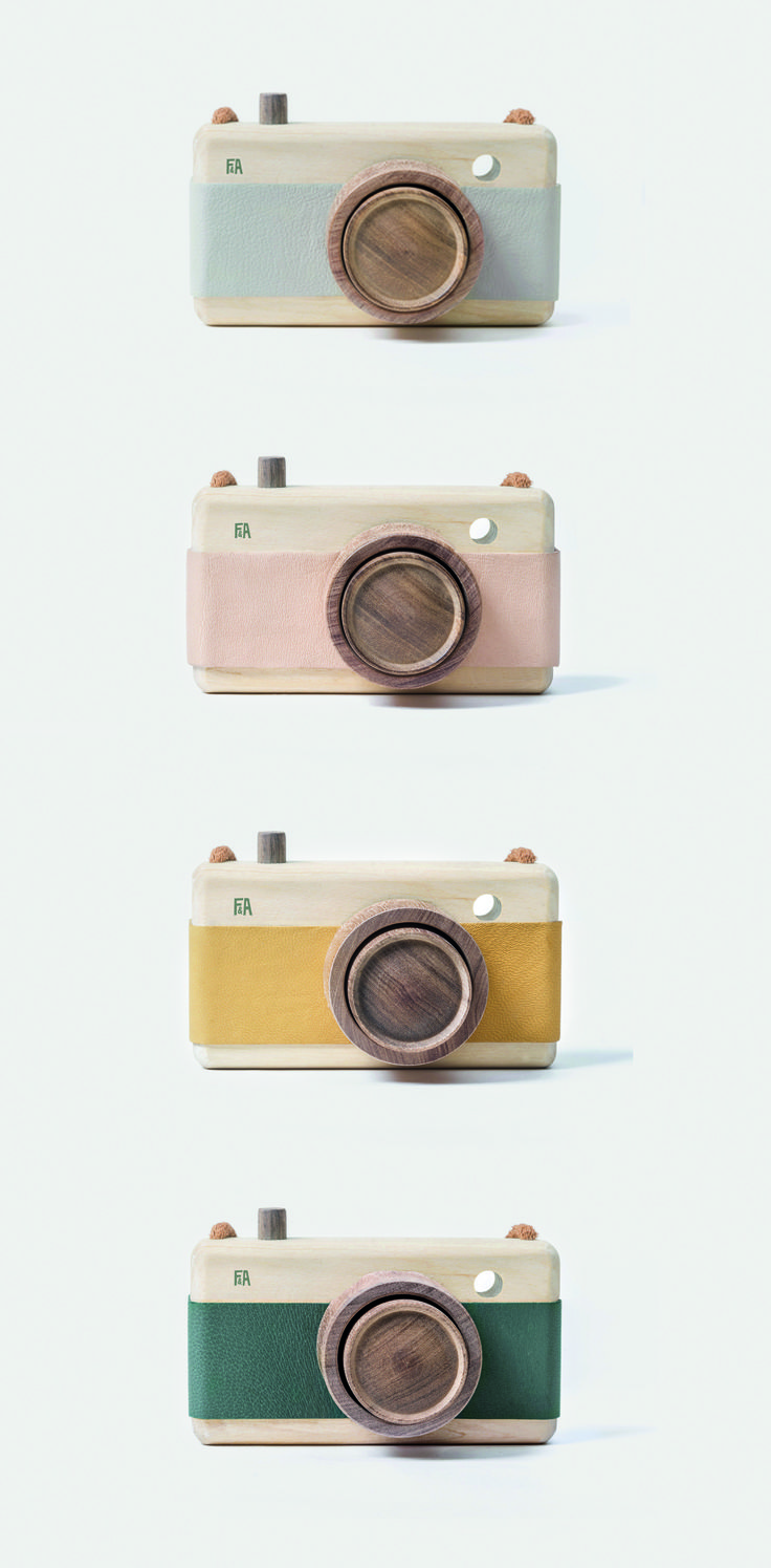 Toy cameras made of Guatambu, Incense wood and leather