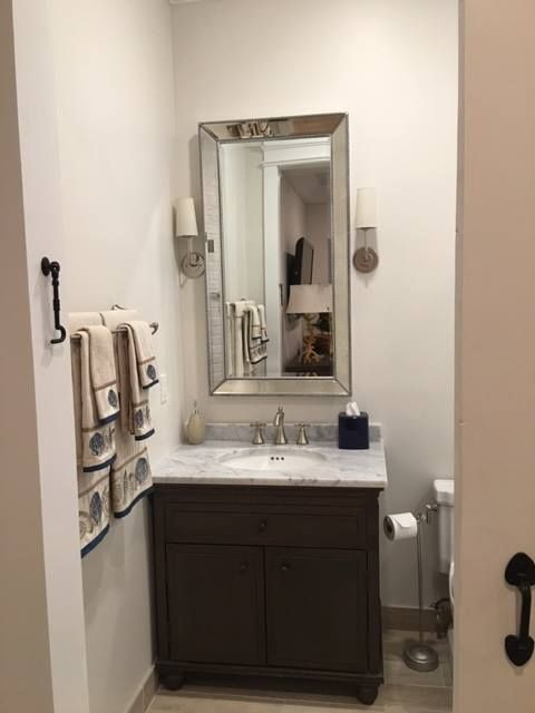 Small bathroom palm beach staging and designs for Staging a bathroom ideas