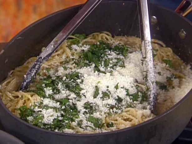 Rachel Ray's Lemon Spaghetti- Super easy, fresh and delicious!