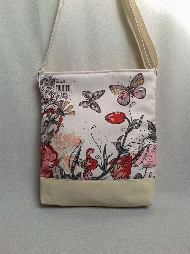 Ha valaki ezzel a táskával megy dolgozni, érezheti milyen egyedi és különleges darab tulajdonosa. Lélegzetelállító ez a minta! Saját tervezésű #gyöngyvászon nyomattal készült, amely időjárásálló, nagyon tartós és mosható. Cross-bag #női #táska #lepkés