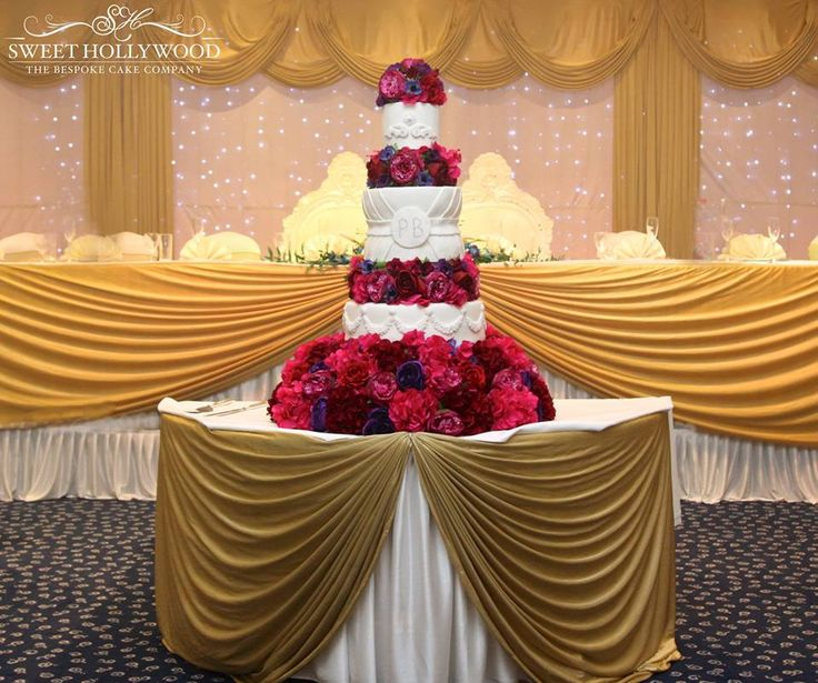 Sweet Hollywood Is A One Stop Destination For Luxurious Wedding Cakes In London We