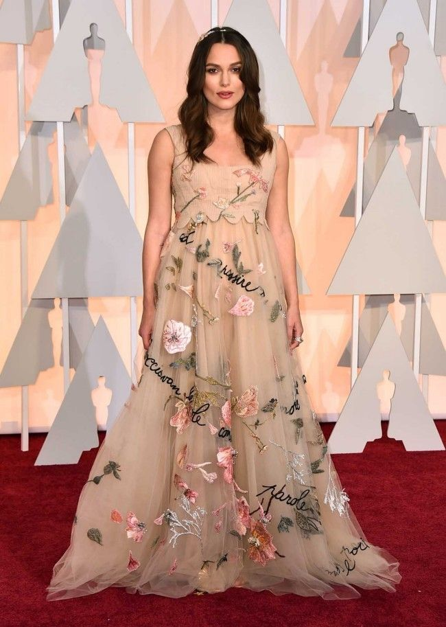 87th Academy Awards: Oscars 2015 red carpet : Keira Knightley in Valentino