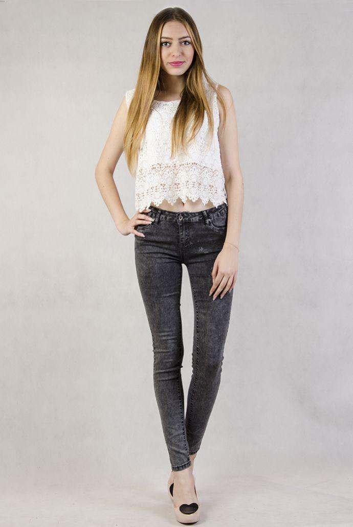 Czarne marmurkowe spodnie rurki