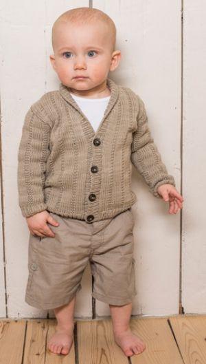 Strikkeopskrift på drengesweater med sjalskrave | Strikket, klassisk herresweater i miniudgave | Strik og hækling til børn | Meget børne- og babystrik | Håndarbejde