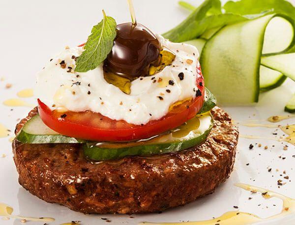 Dicas: Setembro é época de tomate   Academia da Carne Friboi > Receita de hambúrguer gourmet de fraldinha. Ótima pedida para uma noite descontraída.