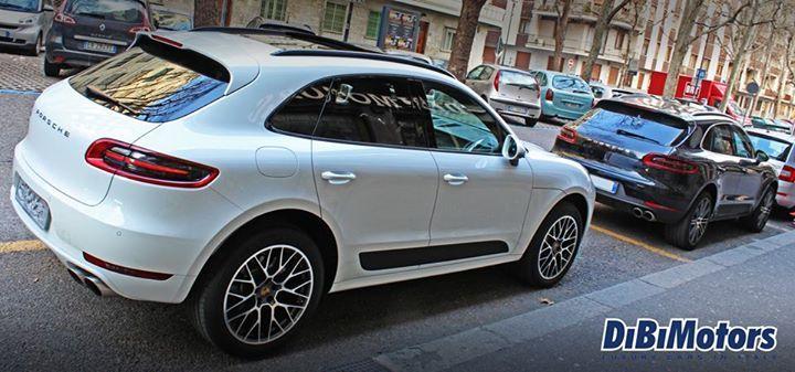 #Black or #White? #Porsche #Macan pronta ad essere tua con #DiBiMotors! devi solo scegliere il colore! www.dibimotors.it #cars #toronto #carloans #canada