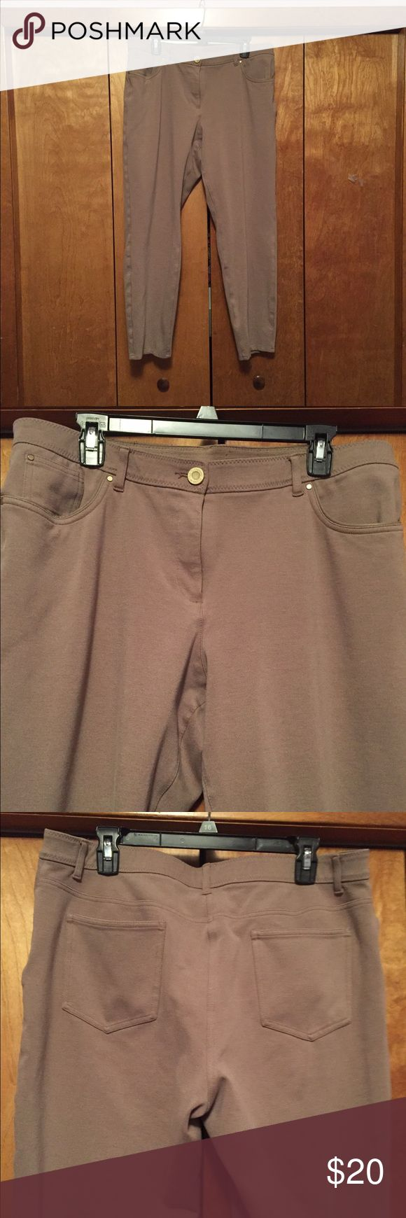 Chico's light brown pants Chico's So Slimmings Pants. Light brown (camel colored). 2 front 2 back pockets. Zipper and button closure Chico's Pants Straight Leg