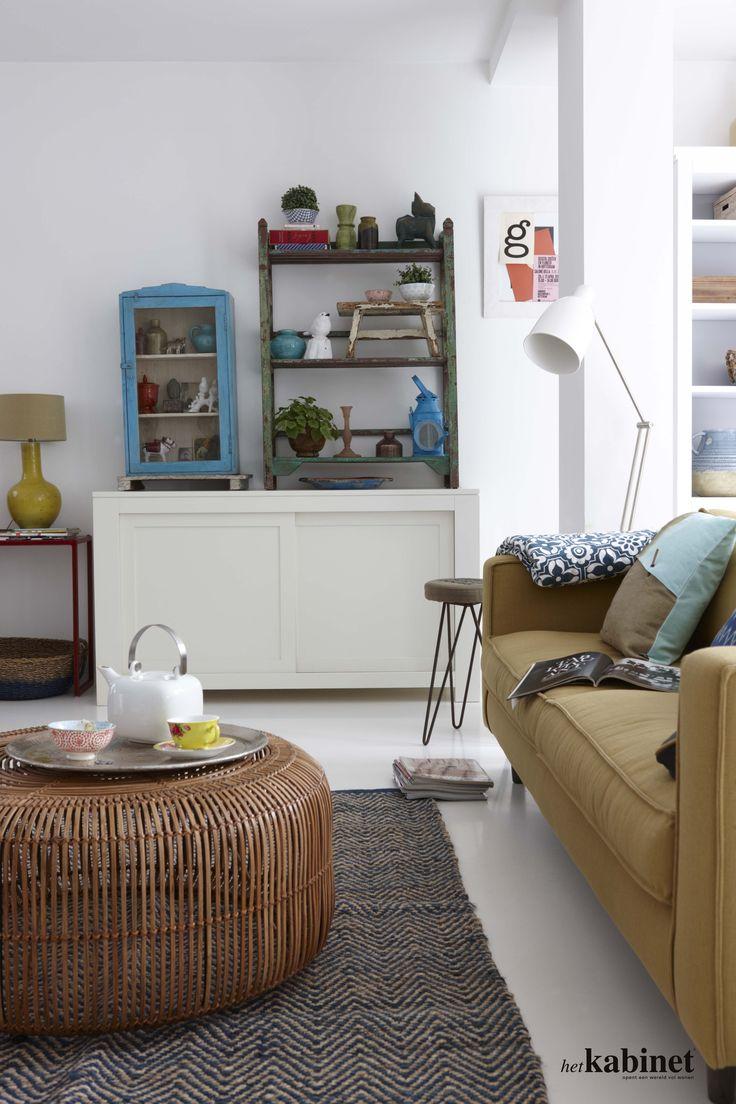 Unieke kastje staan prachtig in combinatie met een strak dressoir #uniek #interior #living